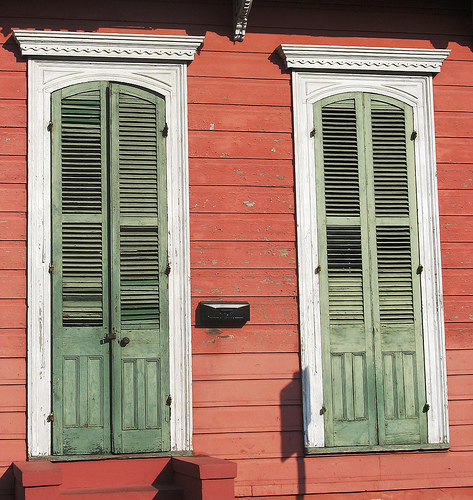 house red and green shutters